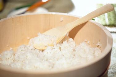 Sushi rice in a Hangiri