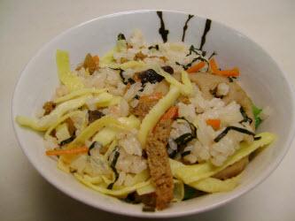 Chirashizushi (Scattered Sushi)