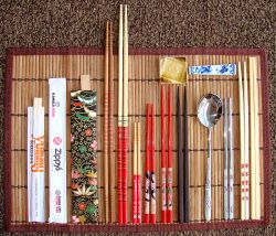 Many different kinds of chopsticks