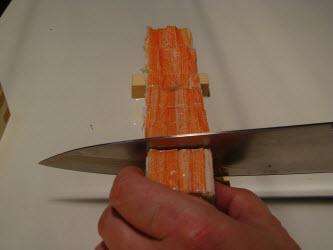 Finish slicing the oshi sushi