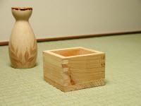 Tokkuri (sake vessel) and Masu