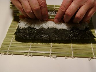 Second step in rolling chumaki roll