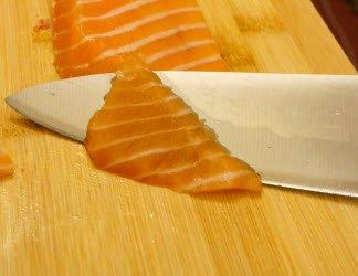 Diagonal angled cut for sashimi or nigiri