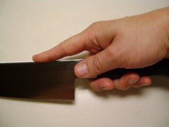 How to hold a Yanagiba or Sashimi knife