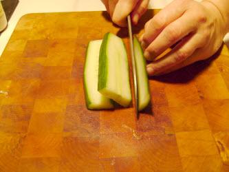 Ribbon cut using a usuba knife
