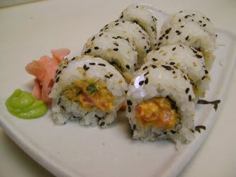 Spicy tuna roll with special sesame-mayo spicy tuna sauce